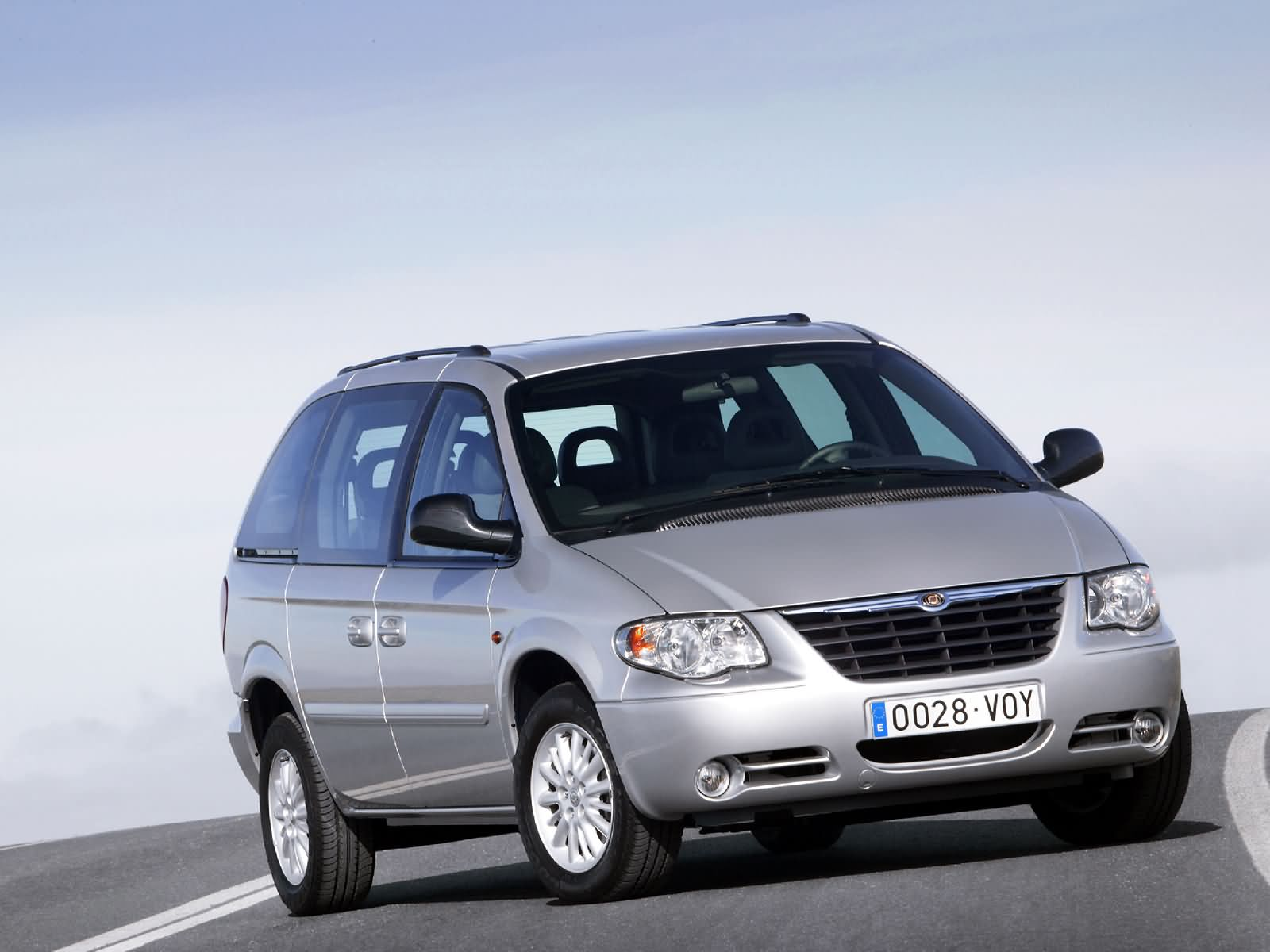 Chrysler Voyager LX 2.8 CRD European Version 2004 3